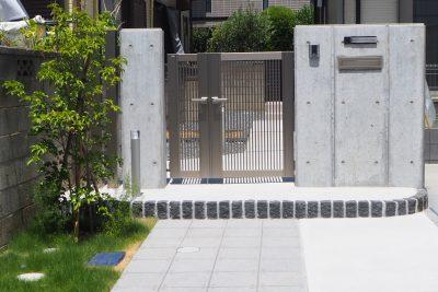 千葉県千葉市 【個性派デザインの門まわり】